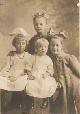 a photo of the stolpe sisters circa 1916